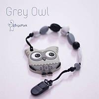 Силиконовая игрушка-грызунок на держателе Grey Owl BABY MILK TEETH