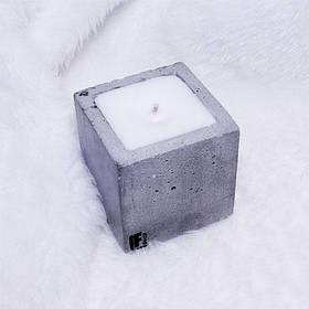 Свеча декоративная ручной работы квадратная