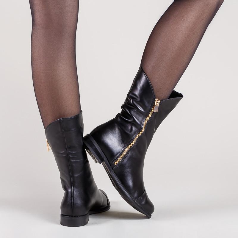Высокие ботинки женские из натуральной кожи черного цвета. Цвет под заказ.