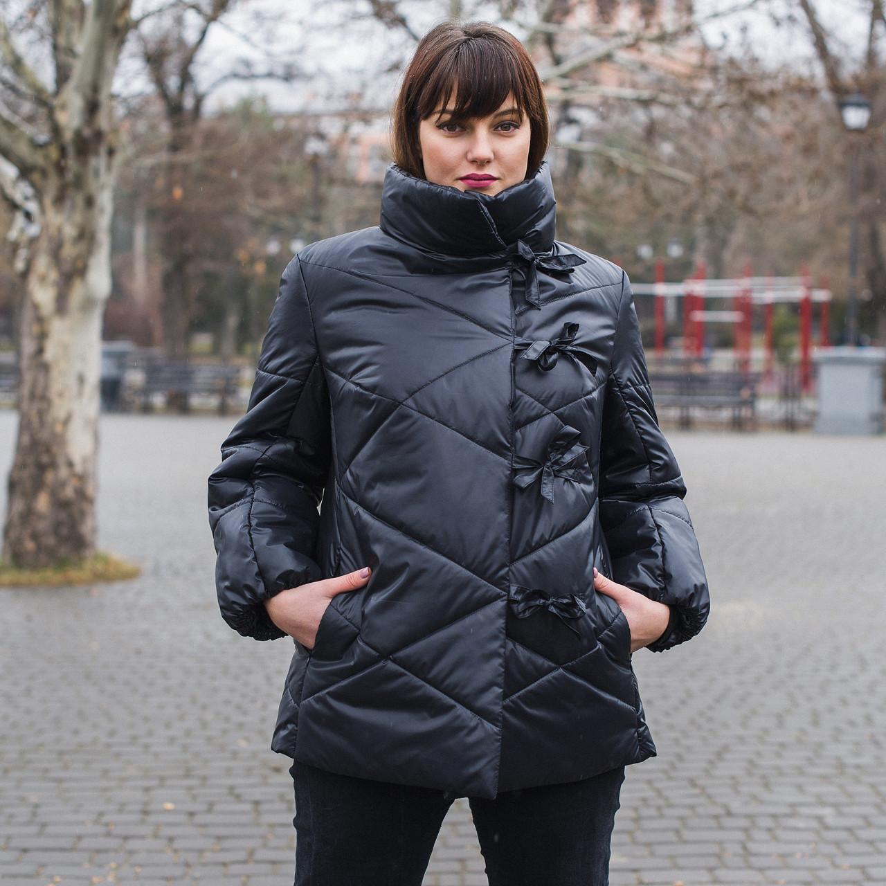 Короткая женская демисезонная куртка больших размеров 54-60