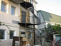 Наружная винтовая лестница