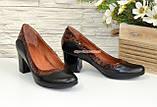 """Туфли женские на невысоком устойчивом каблуке, натуральные кожа и лаковая кожа """"крокодил""""., фото 3"""