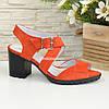 Женские замшевые босоножки на устойчивом каблуке, цвет оранжевый, фото 2