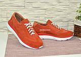 Кросівки жіночі замшеві на білій підошві, на шнурках, фото 4