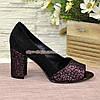 Туфли замшевые с открытым носком, на высоком устойчивом каблуке, цвет черный/бордо, фото 2