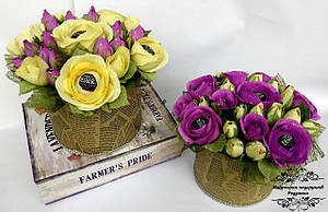 Подарунковий букет з цукерок квіти в коробці . Подарунок на День народження, ювілей жінці