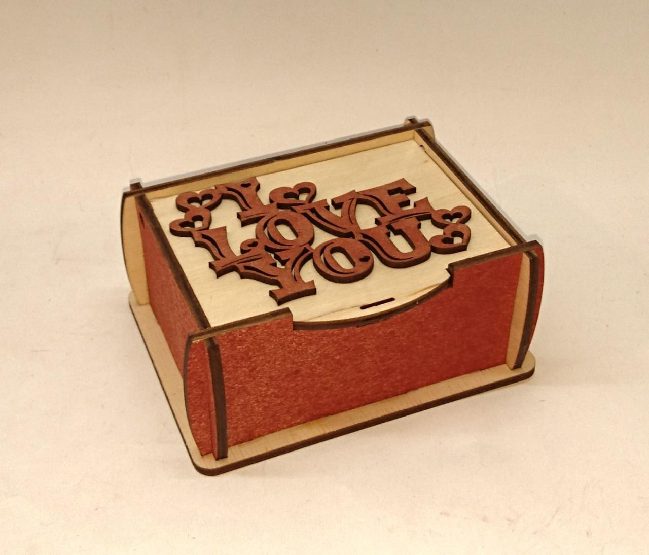 Шкатулка прямоугольная с надписью I LOVE YOU
