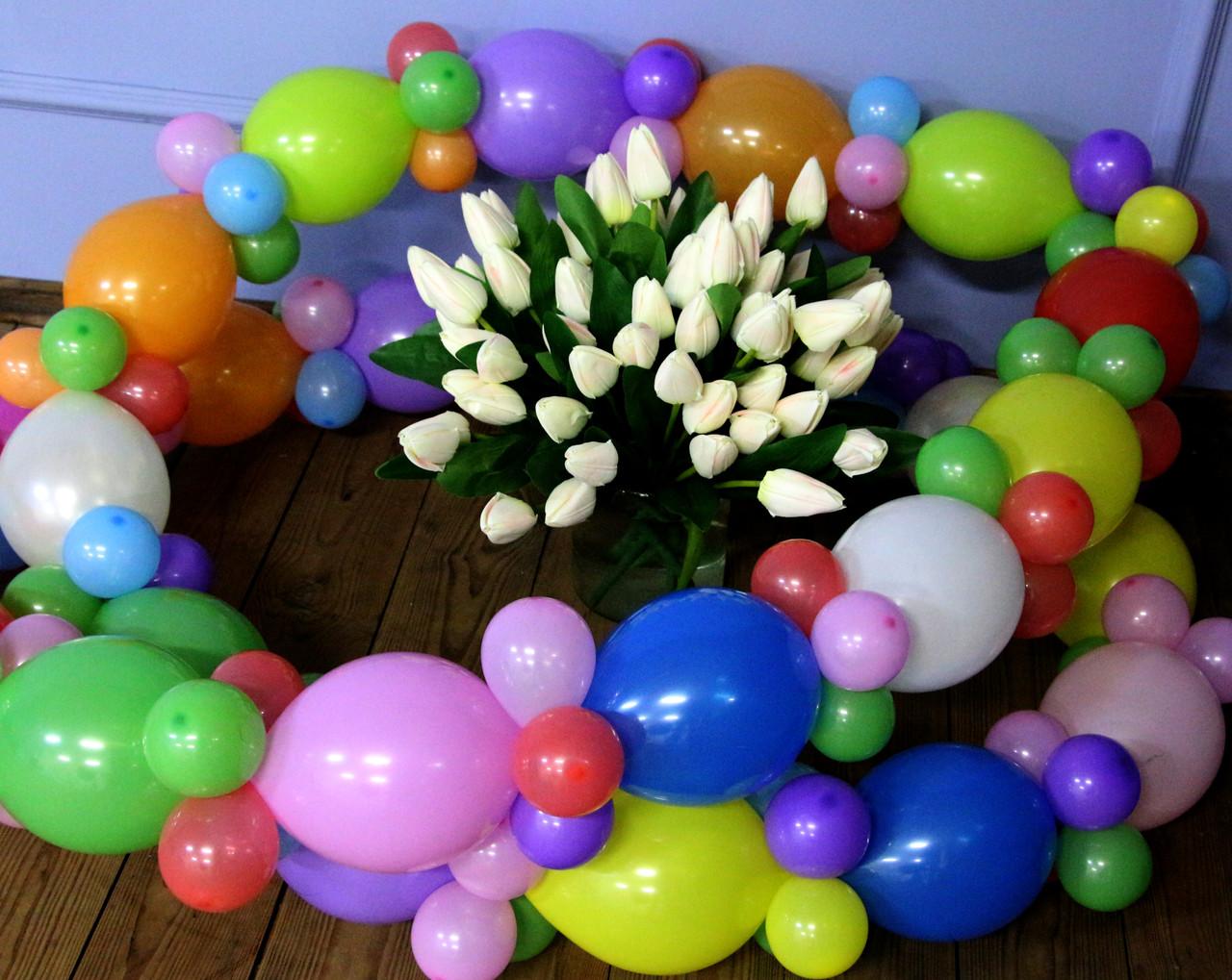 Гирлянда с воздушных шариков (радужная) /маленькие шарики/ Насос для воздушных шариков в комплекте