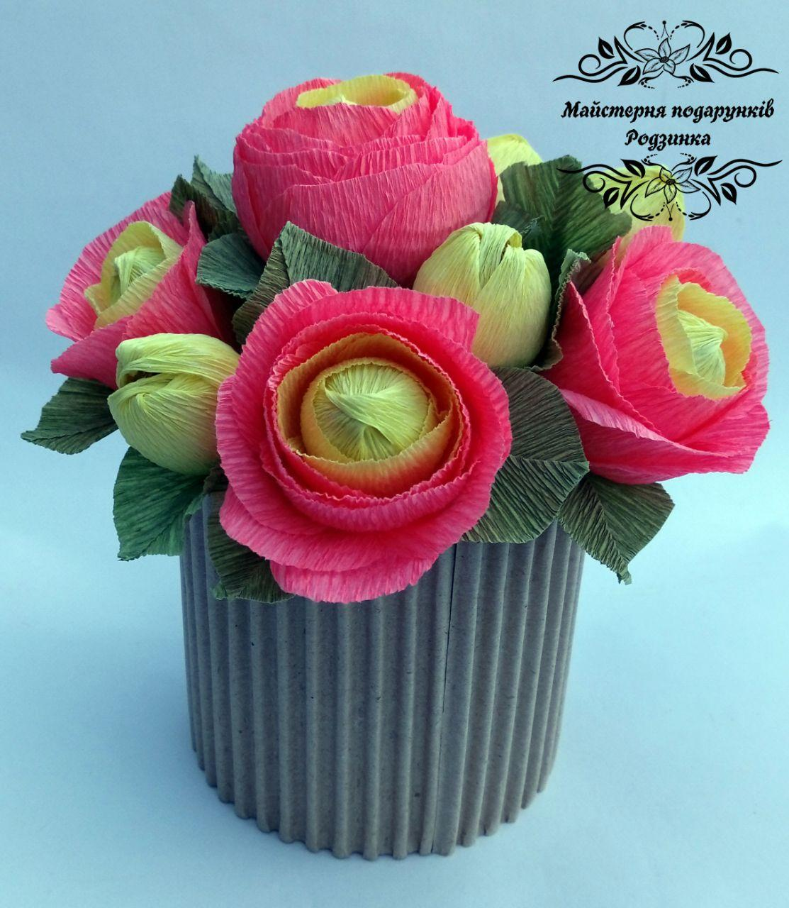 Подарунок букет з цукерок троянди в коробці