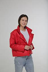 Женская демисезонная курточка на кнопках