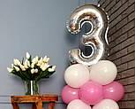 """Композиция с воздушных шариков """"Стойка с цифрой """"3"""" (бело-розовая), фото 3"""