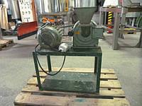 Б/у дисковая-молотковая мельница Veb модель H019 привод 1.6 кВт.