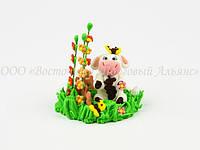 Фигурки из мастики - Корова на лужайке