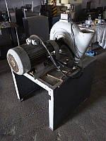 Б/у универсальная дисковая мельница пластина ротора 335мм. пластина статора 290мм привод ротора 15кВт. 2980об/мин