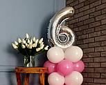 """Композиція з повітряних кульок """"Стійка з цифрою """"6"""" (біло-рожевий), фото 5"""