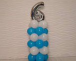 """Композиция с воздушных шариков """"Стойка с цифрой """"6"""" бело-голубая на день рождения мальчику, фото 6"""