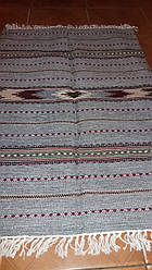 Колоритна шерстяна доріжка на підлогу