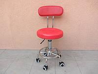 Стул мастера маникюра со спинкой красный на колесиках с подъемником