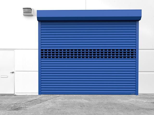 Въездные и гаражные проемы в частном и промышленном секторе