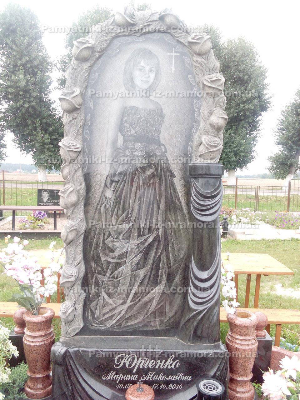 Памятник с розами №11