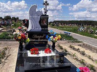 Памятник  из гранита с ангелом №23