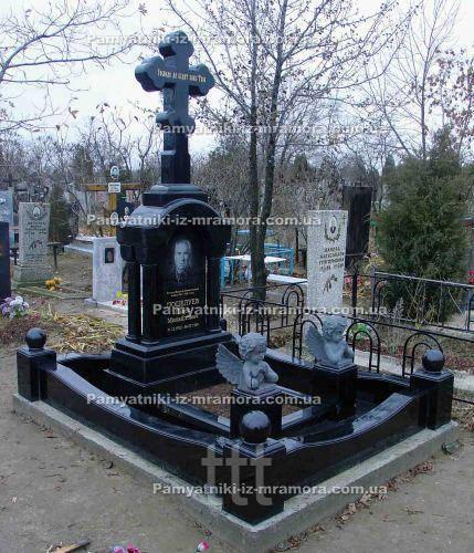 Одинарное надгробие с крестом №29