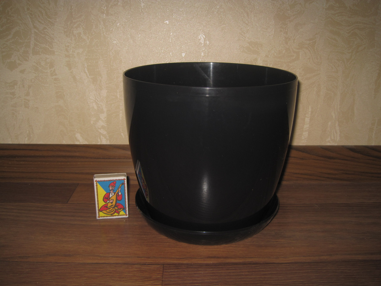 """Вазон цветочный """"Матильда"""" с подставкой V=3,3л (d=18см h= 16,5см) черный  """"Омела"""""""