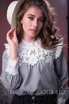 Блузка з мереживом