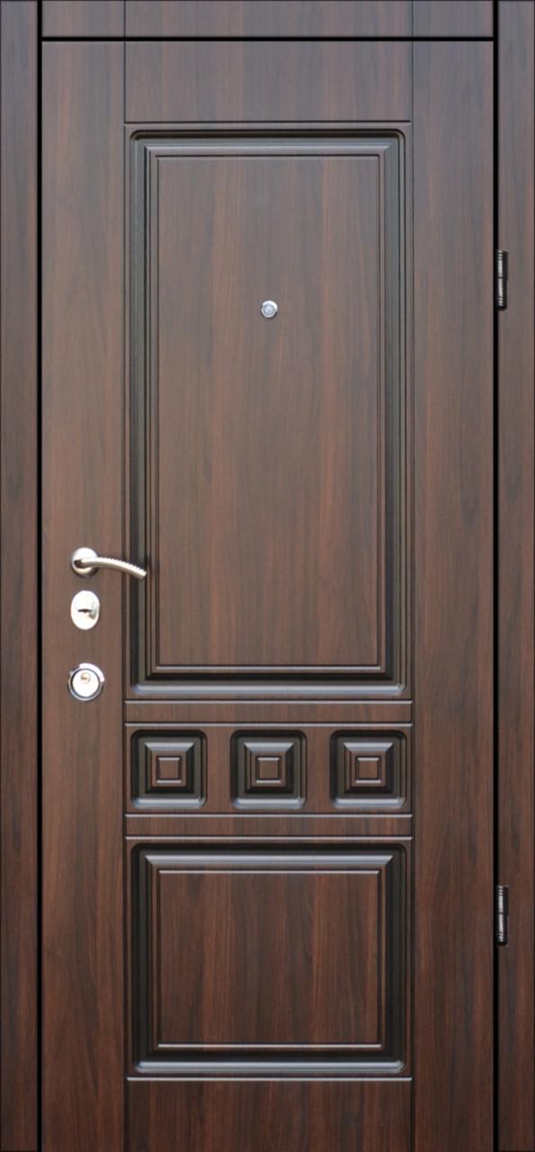 Двери квартирные, модель Т-11 Двухпритворная, гнутый профиль, коробка 106 мм, орех темный+патина