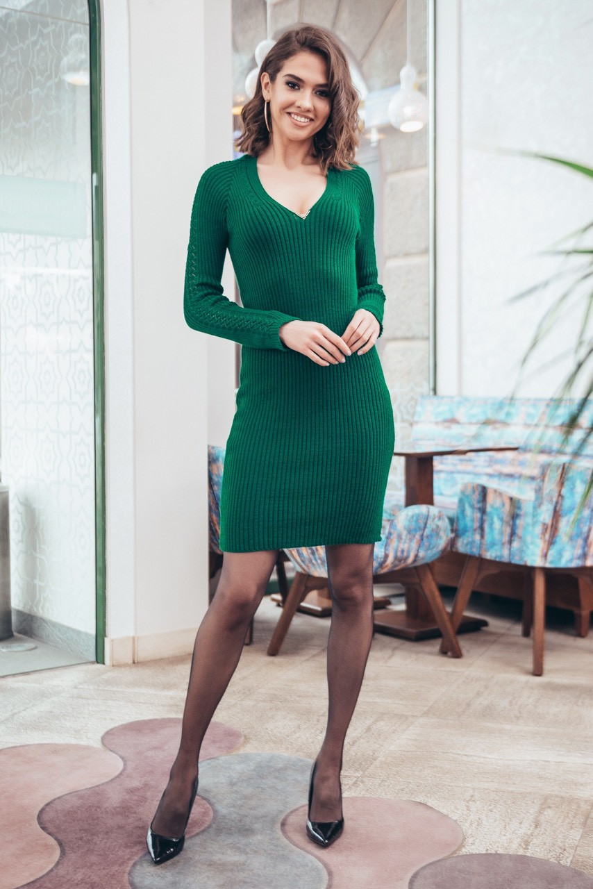 Платье вязаное Калипсо с сеточкой на рукавах зеленое