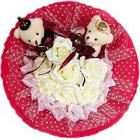 Букет из мягких игрушек Мишки парочка в красном