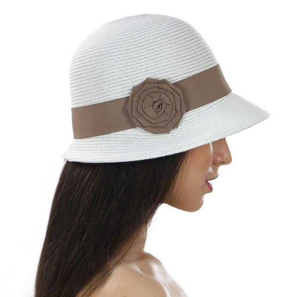 Летняя женская шляпа с небольшими полями цвет белый с бежевым