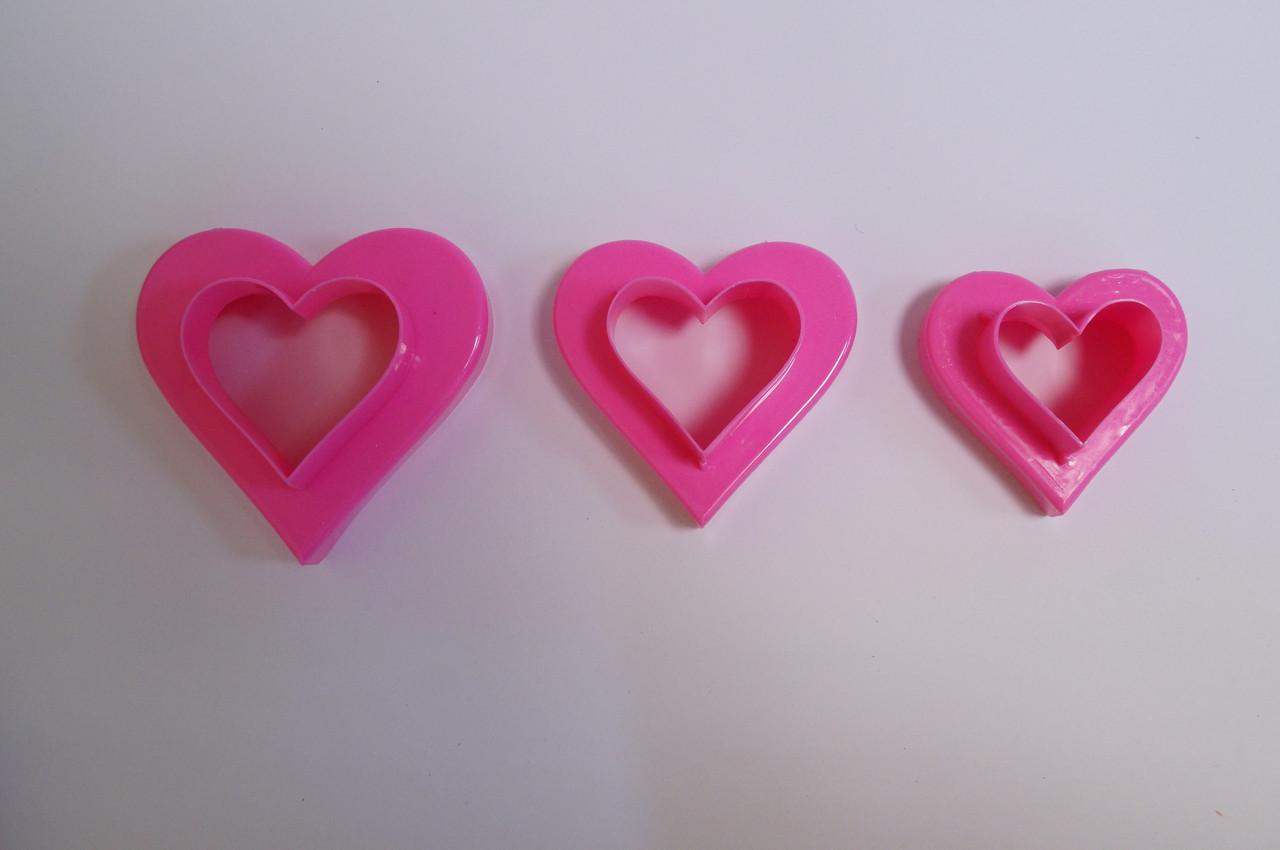 """Вырубка для мастики """"Сердце"""" пластик 3 шт.(код 03986)"""