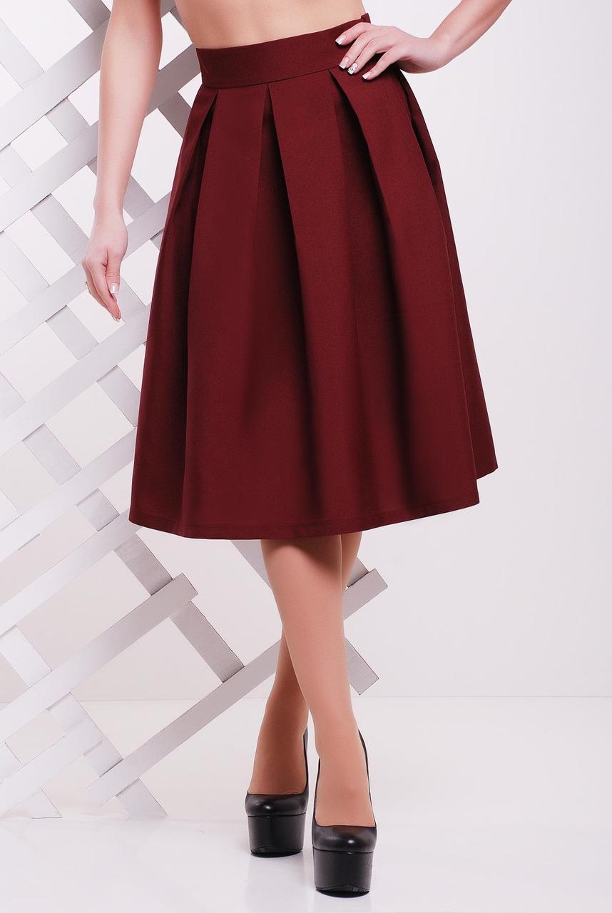 Стильная женская пышная юбка миди в складку однотонная бордовая