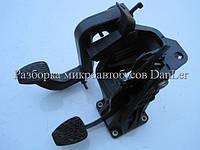 Блок педалей (педаль сцепления, педаль тормоза) Мерседес Спринтер 95-06 б/у (Mercedes Sprinter)