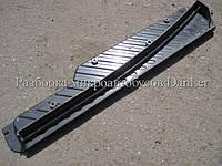 Накладка на порог боковой левой двери Мерседес Спринтер 95-06 б/у (Mercedes Sprinter)