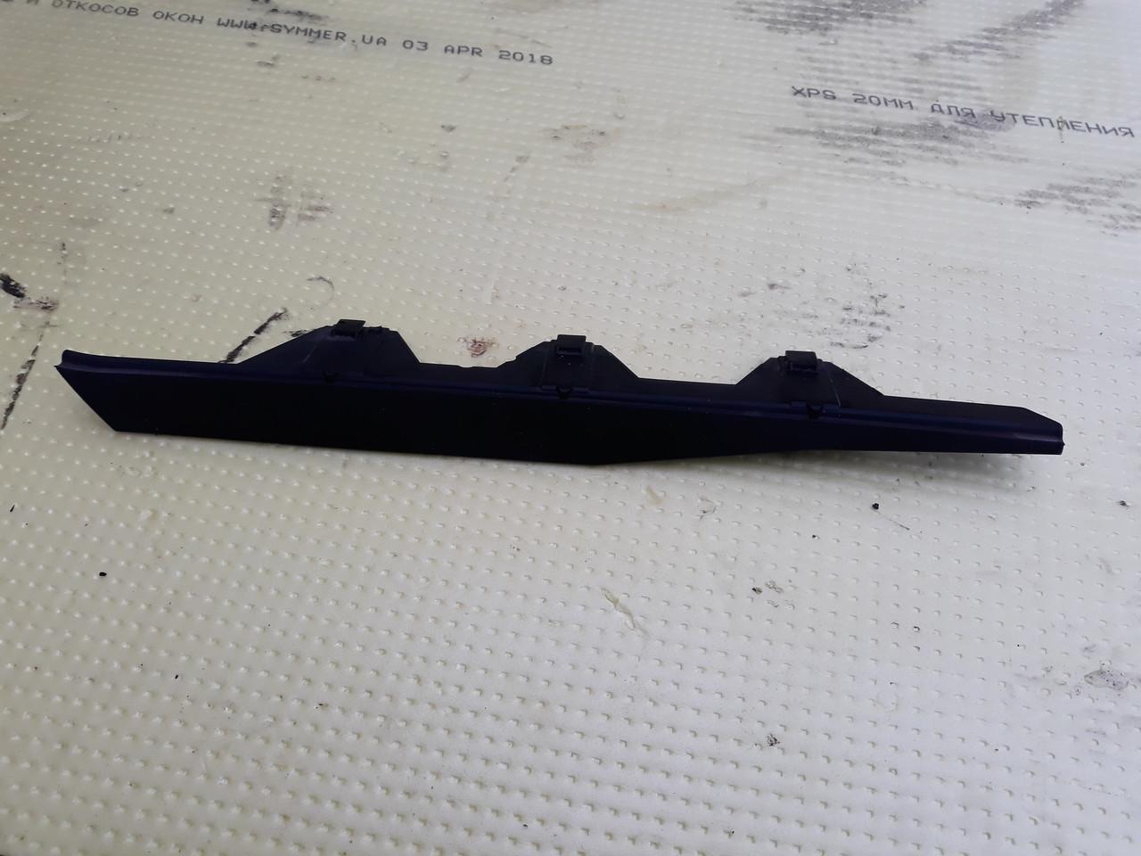 Накладка металлической крышки люка правая люк бмв е39 bmw e39 54128159602 8159602