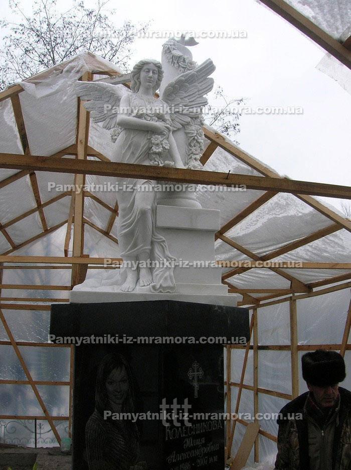 Скульптура   ростовая из мрамора в виде ангела № 16