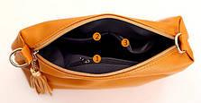 Женская сумка красная с кисточкой из экокожи через плечо, фото 3