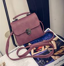 Жіноча маленька сумочка на металевій заклепці коричнева, фото 3