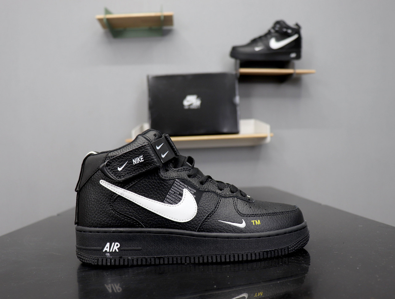 21fe71f3 Кроссовки Air Force 1 Mid 07 L.V.8 Utility Pack black/white - Компания