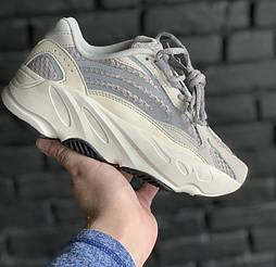 Женские кроссовки Adidas Yeezy Boost 700 v2 white.  Живое фото. (Реплика ААА+)