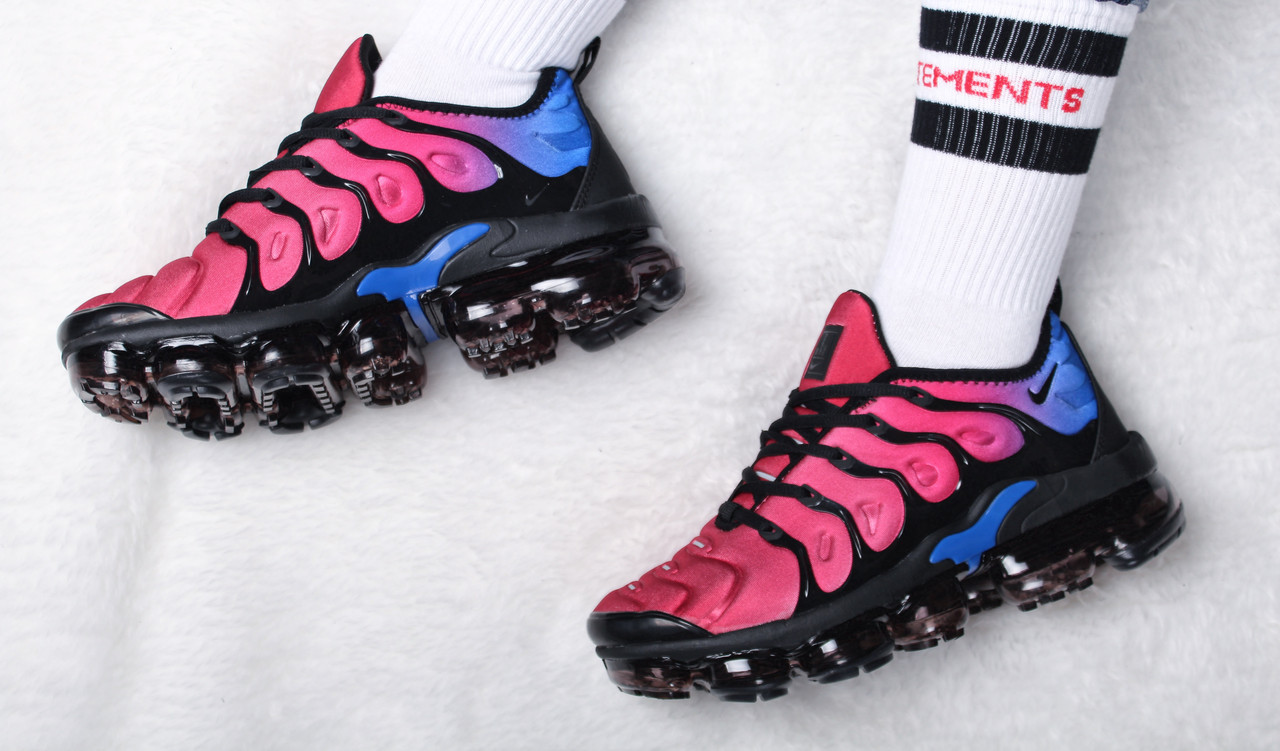 """Кроссовки женские Nike Air VaporMax Plus """"Hyper Violet"""" / AO4550-001 (Реплика)"""