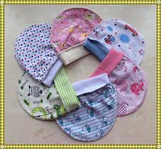 Шапочки, чепчики, пинетки и рукавички для новорожденных