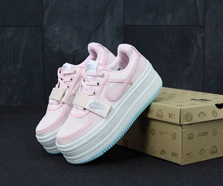 035426b6 Кроссовки женские розовые Nike Vandal на высокой подошве топ реплика, фото 2