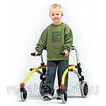 Б/У Заднеопорные ходунки для активних дітей з ДЦП R82 Crocodile Gait Trainer Size 1