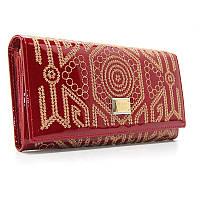 Красный кошелек dg-60101 red женский кожаный на кнопке лаковый с орнаментом, фото 1