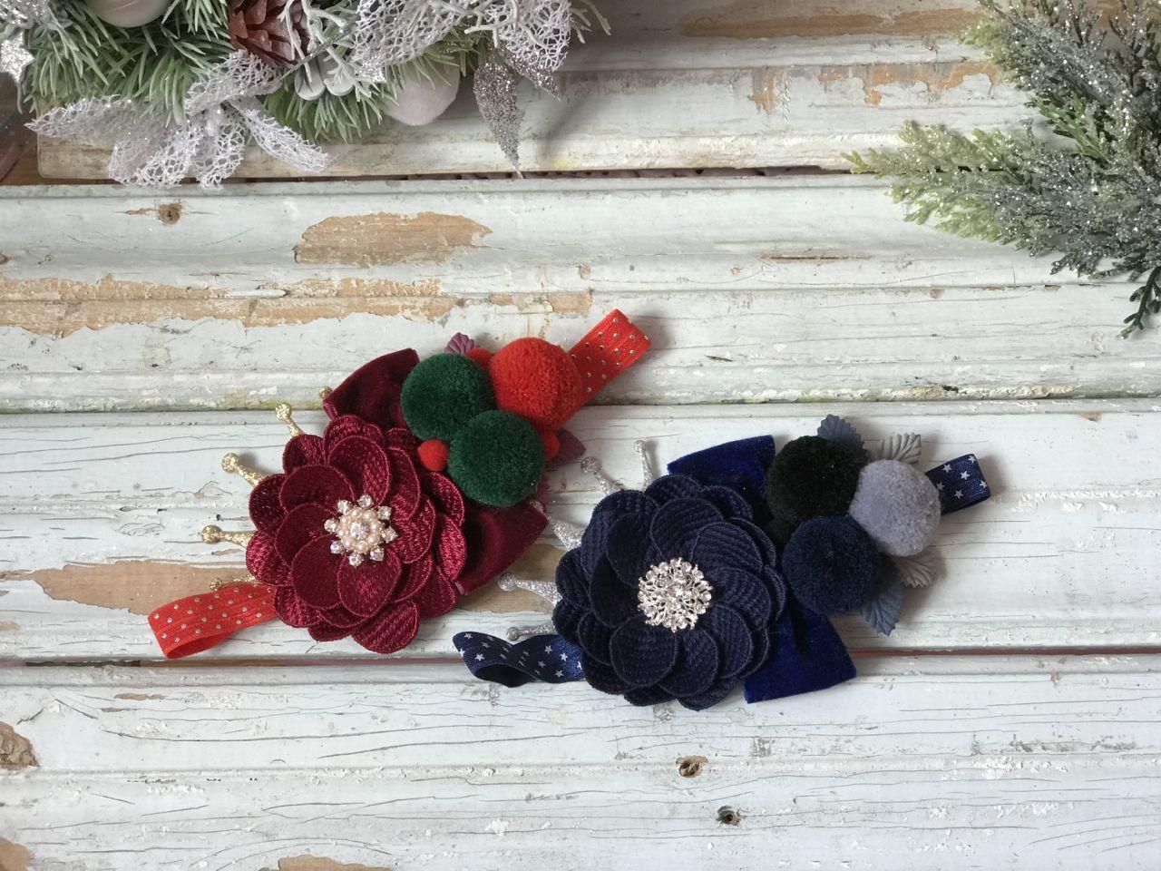 Повязка ручной работы с цветком и помпонами