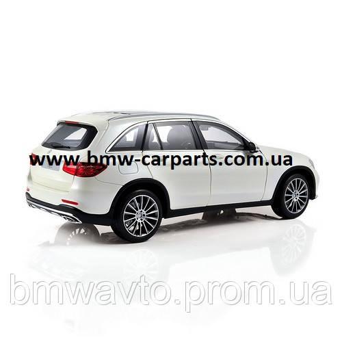 Модель Mercedes-Benz GLC (X253), Diamond White, 1:18 Scale, фото 2