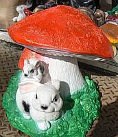 Фигурка Зайчики под грибом 37 см.